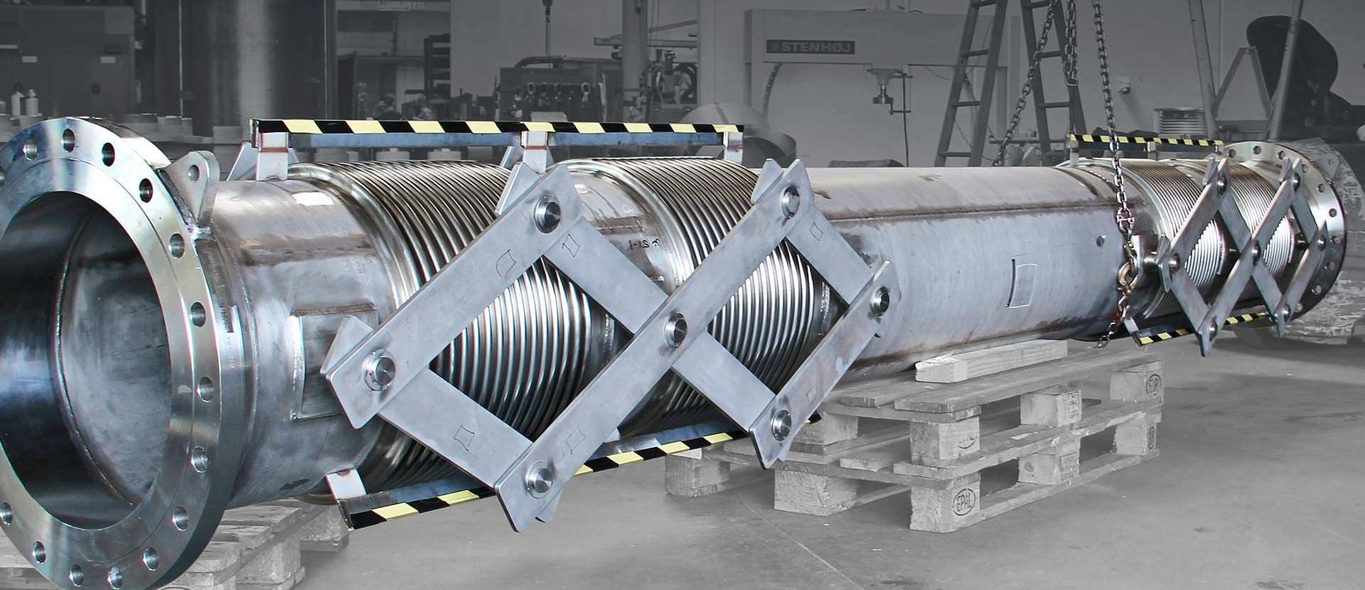 Pantographic gimbal expansion joint